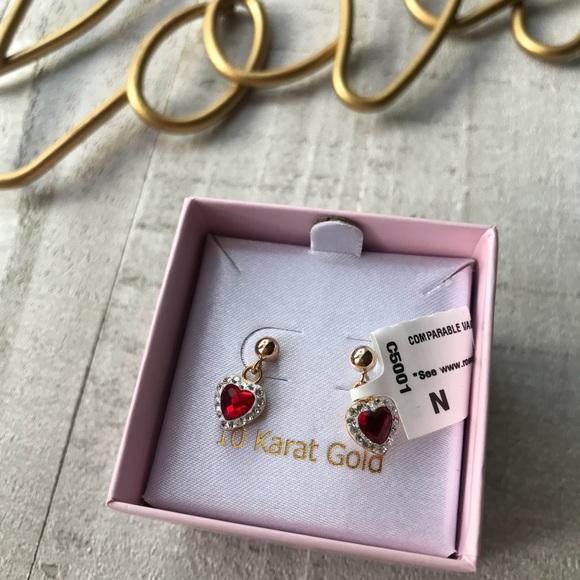 Other - ❤️10k Gold Heart Earrings ♥️😍
